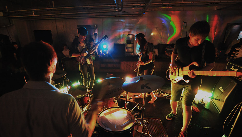 펀딩을 통해 성사된 인디밴드 연합공연 <friday night record> 공연모습
