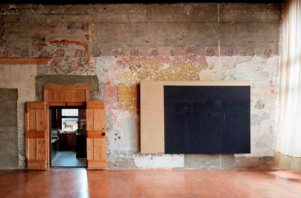 베니스 시립 포르투니 미술관에서 개최된 <윤형근> 전시 전경ⒸLaziz Hamani 사진제공: 국립현대미술관